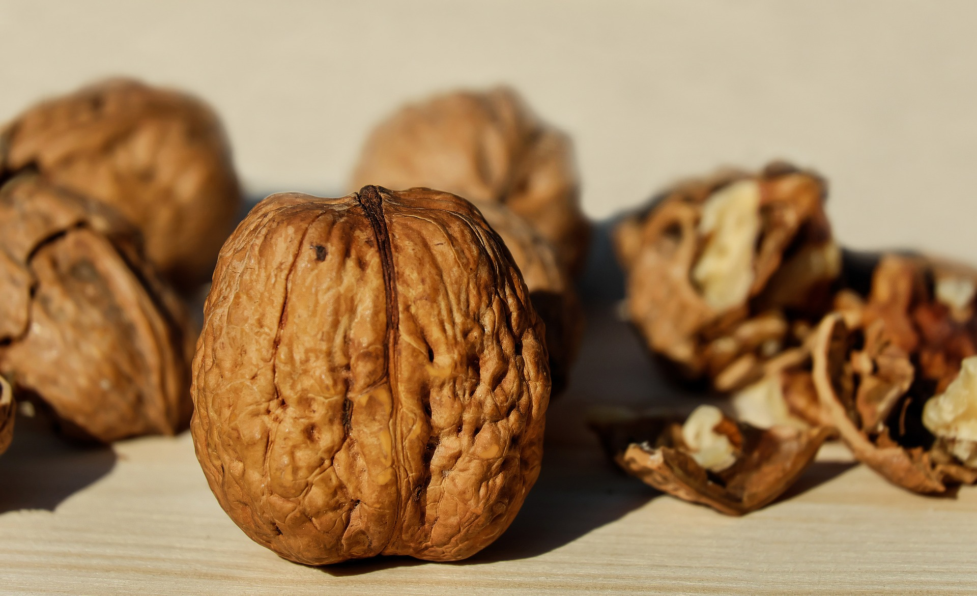 Eating Nuts Tied To Increased Colon Cancer Survival Cancerthefacts